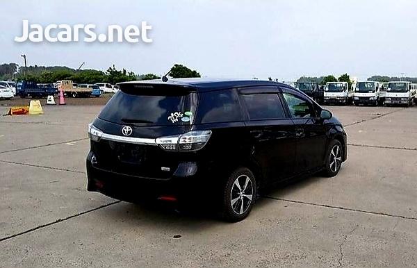 Toyota Wish 2,0L 2012-3