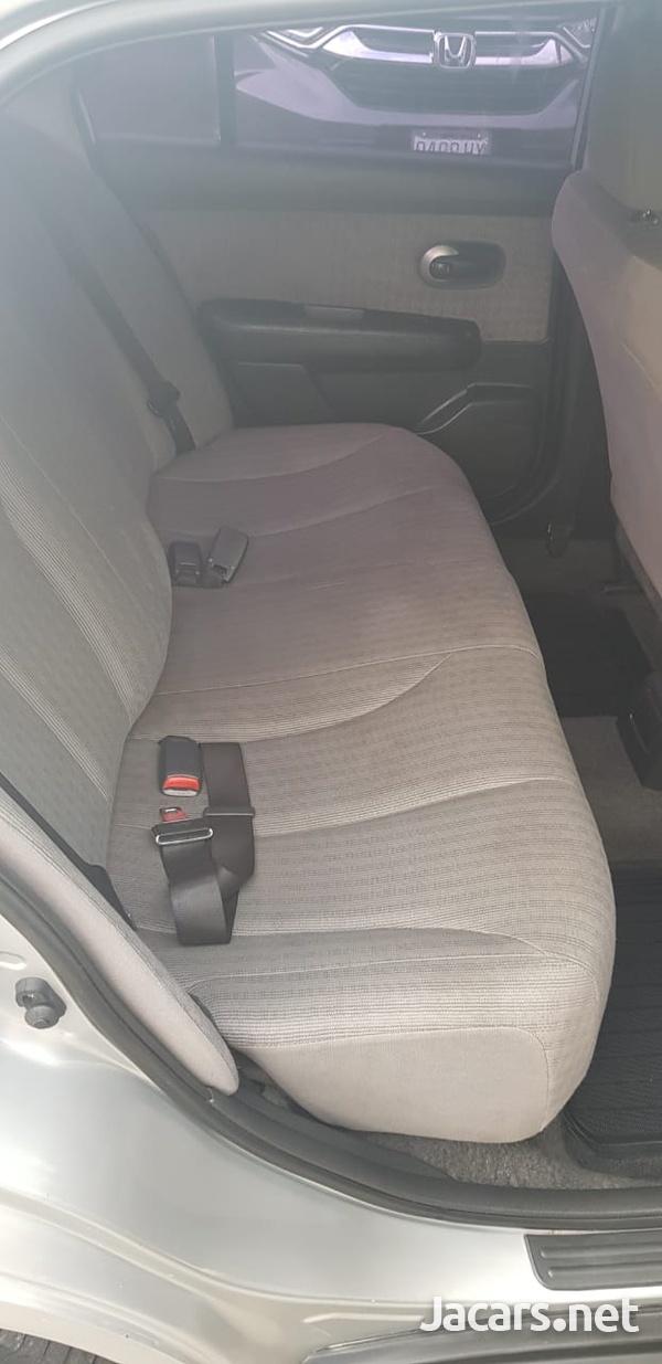 Nissan Tiida 1,6L 2010-3