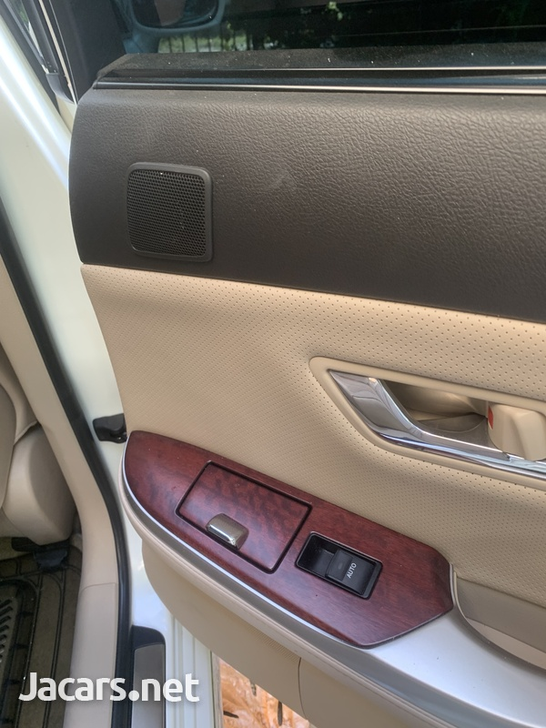 Toyota Crown 4,6L 2012-9
