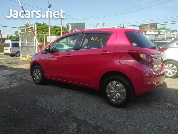 Toyota Vitz 1,3L 2016-13