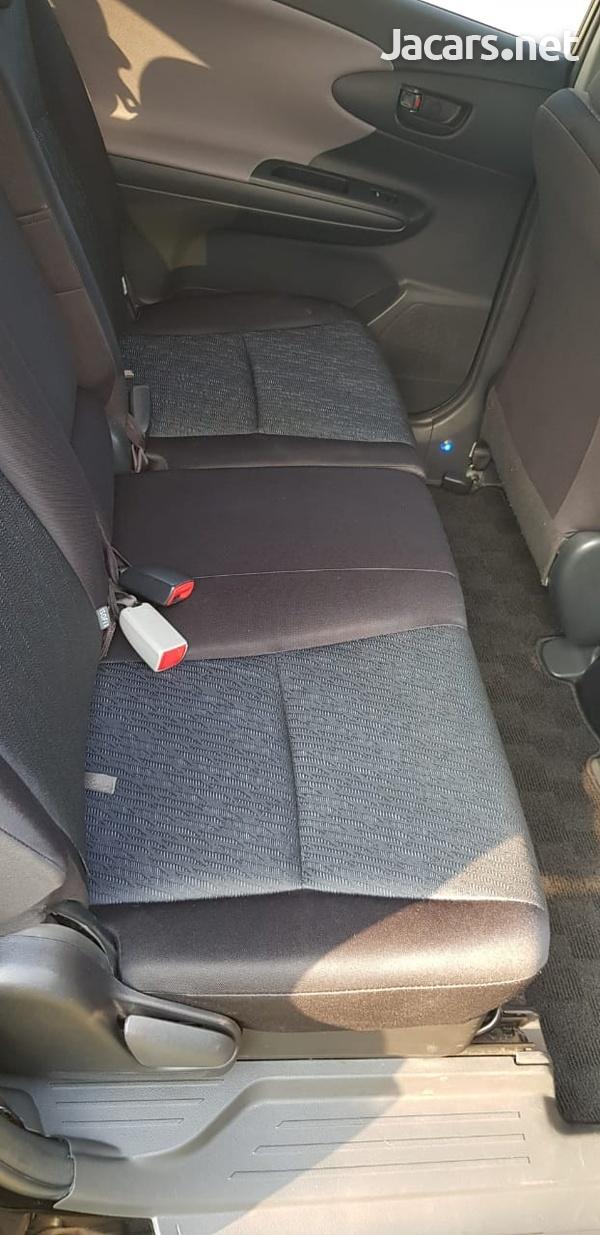 Toyota Wish 1,6L 2011-4