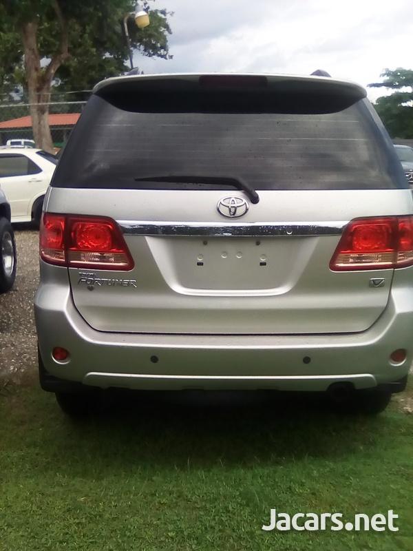 Toyota Fortuner 2,7L 2007-3