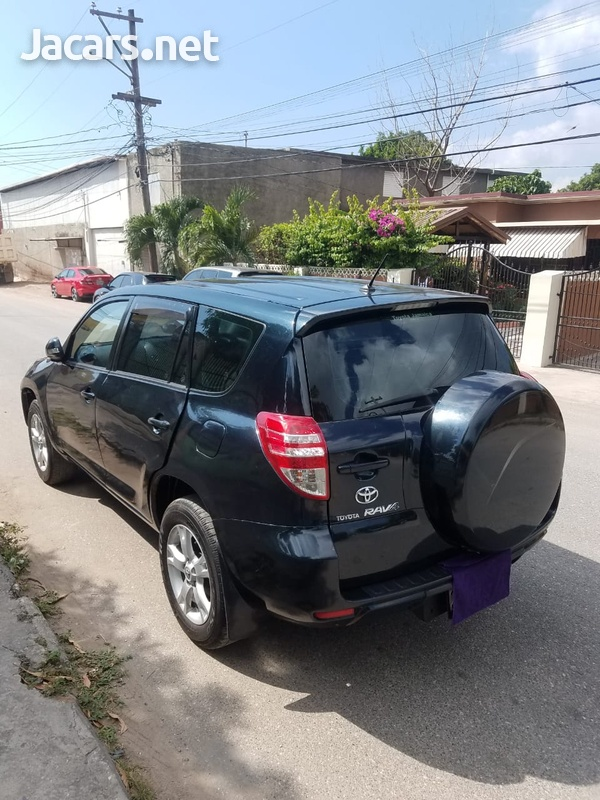 Toyota RAV4 2,0L 2012-5