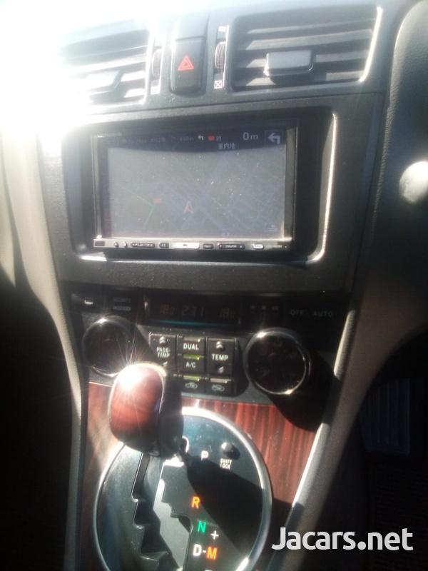Toyota Mark X 2,0L 2011-4