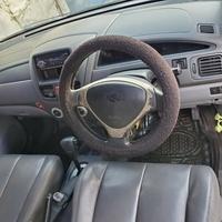 Suzuki Aerio or Liana 1,6L 2002