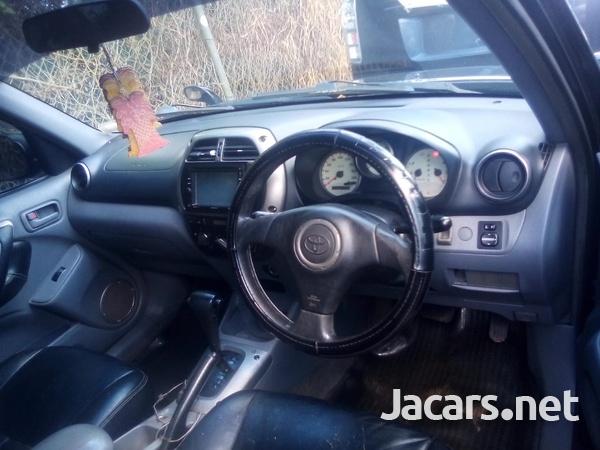 Toyota RAV4 2,0L 2003-7