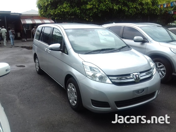 Toyota Isis 2,0L 2014-1
