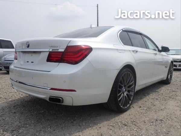 BMW 7-Series 0,4L 2014-6