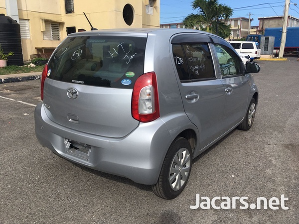 Toyota Passo 1,0L 2016-5