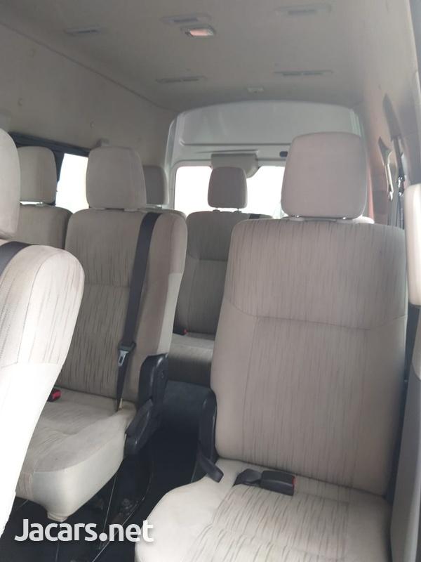 Nissan Caravan 2,0L 2014-6