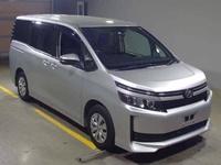 Toyota Voxy 2,0L 2015