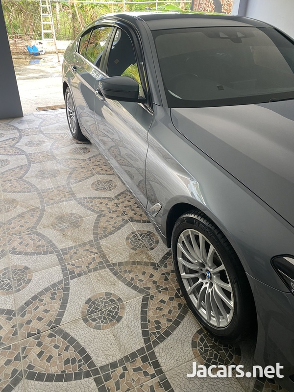 BMW 5-Series 2,0L 2017-3