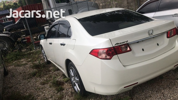Honda Accord 1,8L 2012-4