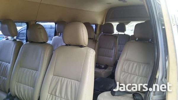 2011 Toyota Hiace Commuter-2