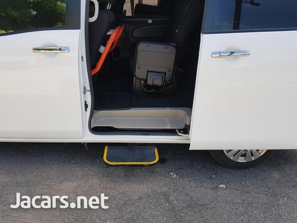 Nissan Serena 2,0L 2015-6