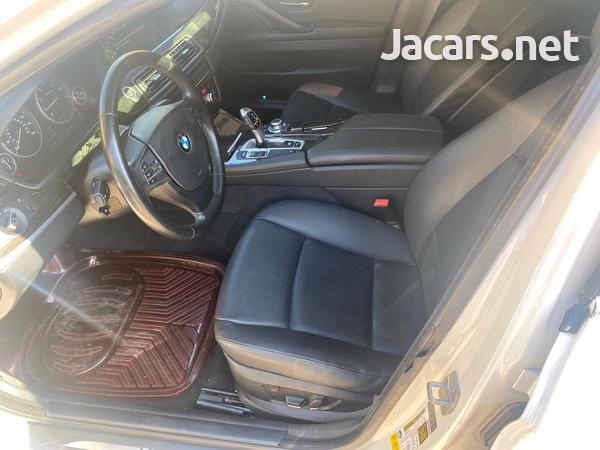 BMW 5-Series 4,4L 2013-5