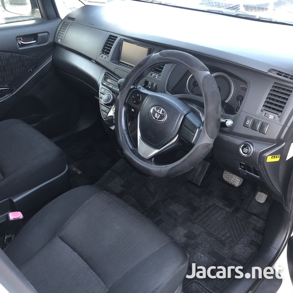 Toyota Isis 1,8L 2012-10