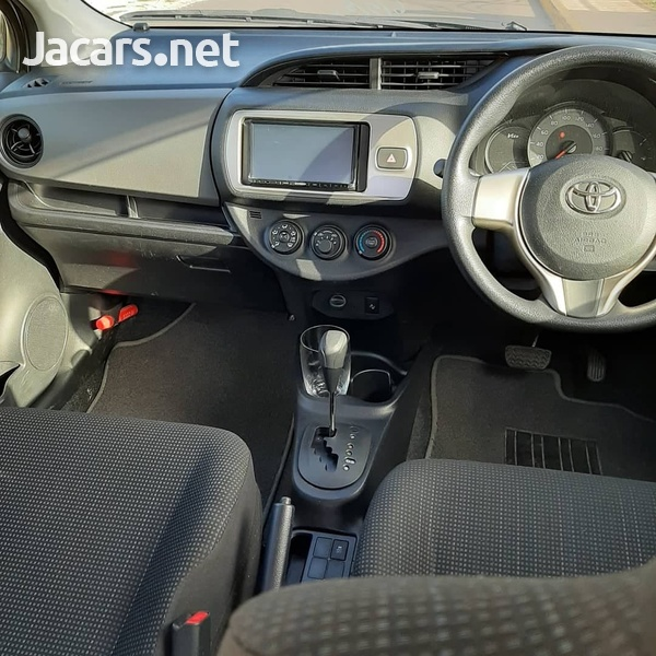 Toyota Vitz 1,2L 2015-5