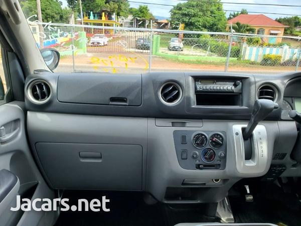 Nissan Caravan 2,0L 2012-10