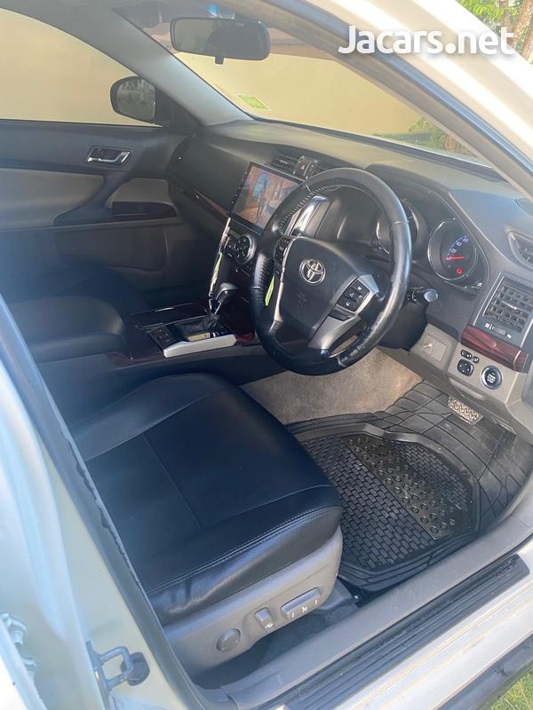 Toyota Mark X 2,5L 2011-7