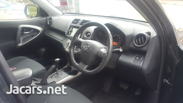 Toyota RAV4 2,4L 2015-4