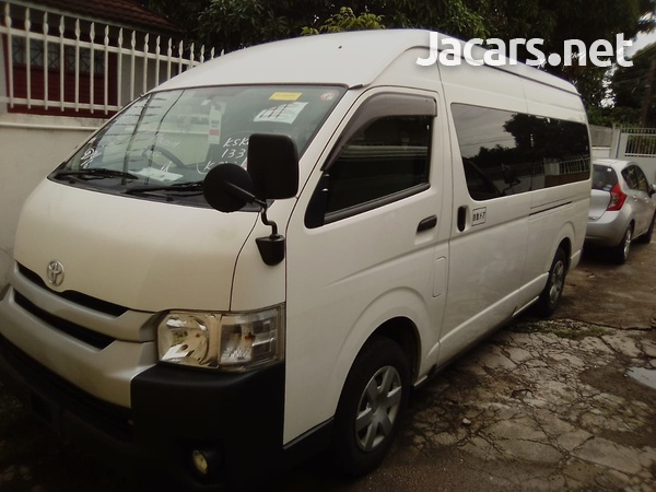 Toyota Hiace Bus 2,5L 2014-1