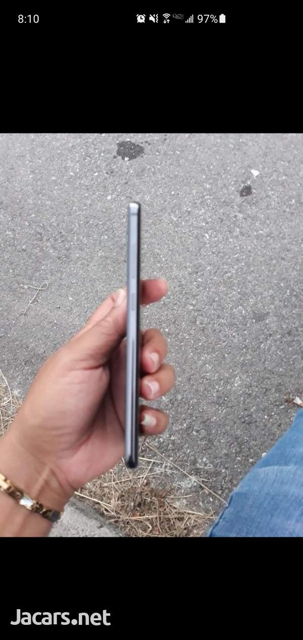 Samsung Galaxy S10 Plus 128 Gb storage 8GB Ram, Next to New.-2