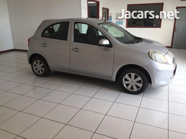 Nissan March 1,2L 2012-3