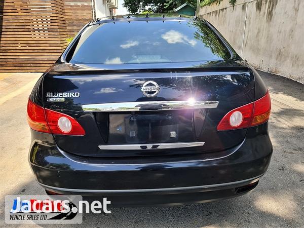 Nissan Bluebird 2,0L 2010-5