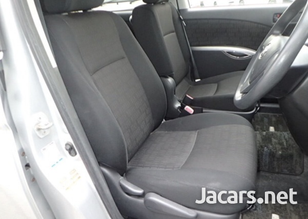 Toyota Isis 1,8L 2014-5