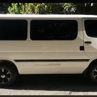 Toyota Hiace Bus 2001