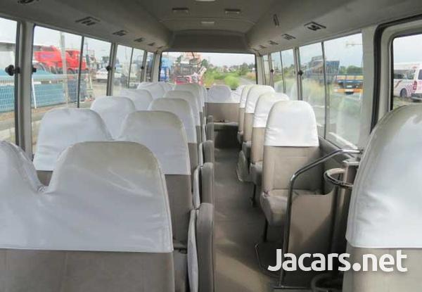 2011 Toyota Coaster Bus 4,0L-5