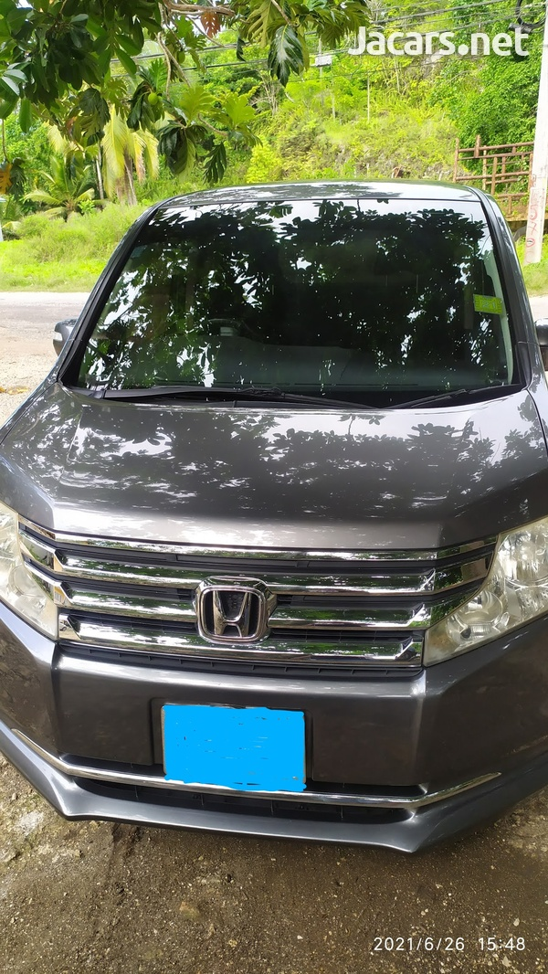 Honda Step wagon 2,0L 2013-6
