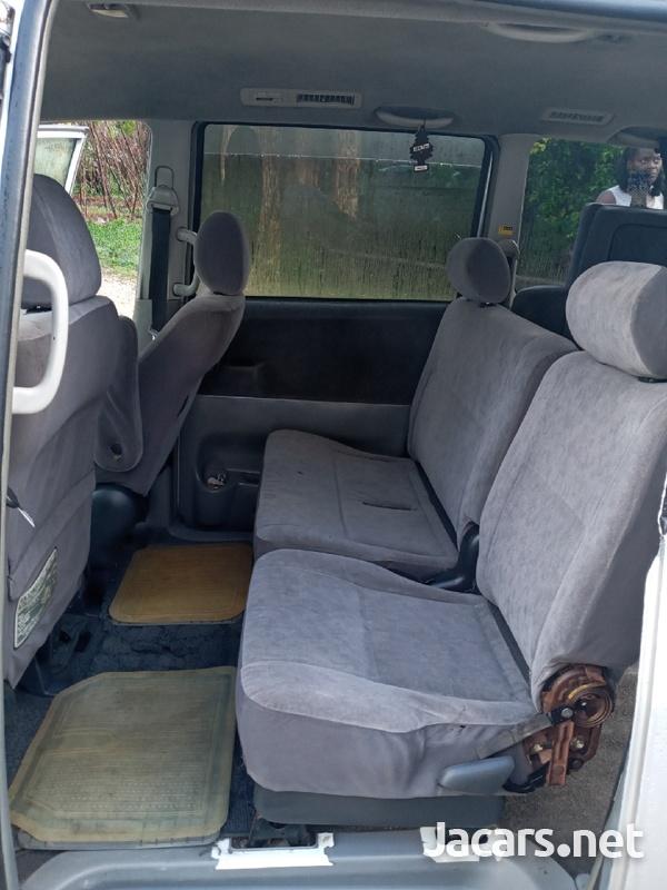 Toyota Voxy 2,0L 2006-7