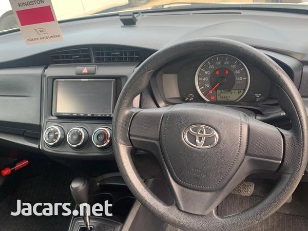 Toyota Axio 1,8L 2016-5