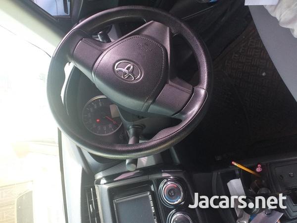 Toyota Axio 2,1L 2014-7
