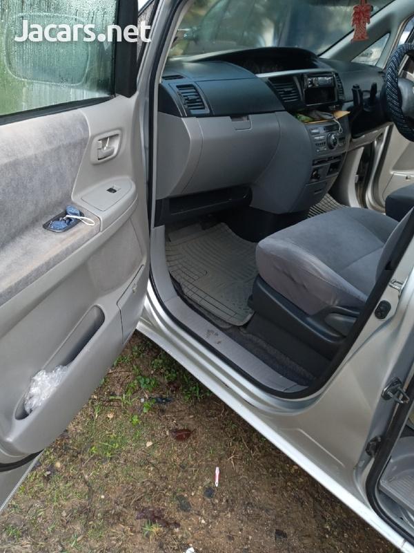 Toyota Voxy 2,0L 2006-6