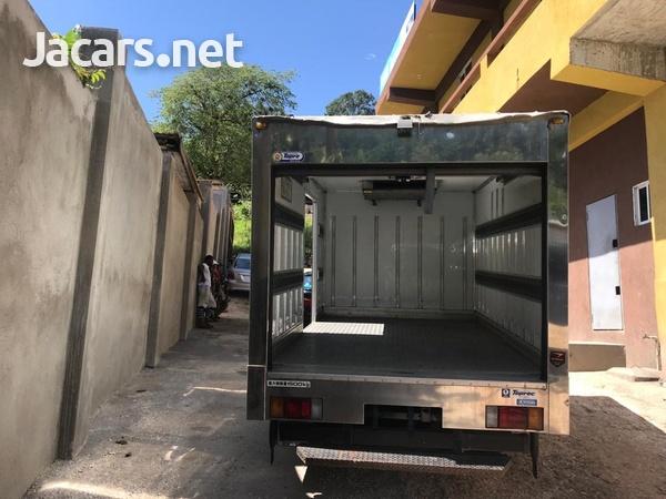 2012 Isuzuz Box Truck-6