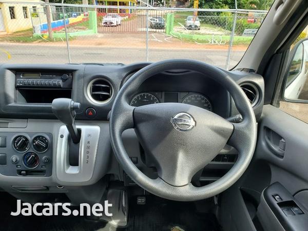 Nissan Caravan 2,0L 2012-9