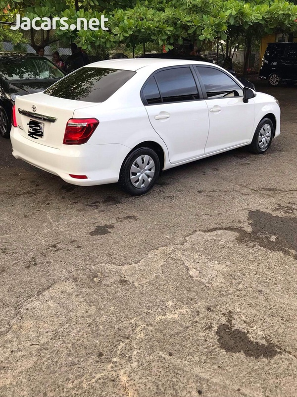 Toyota Axio Electric 2015-1