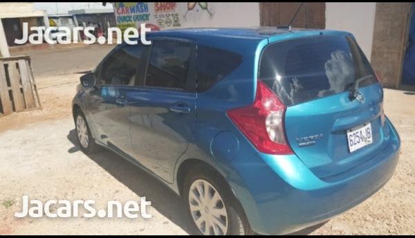 Nissan Versa 1,5L 2015-3