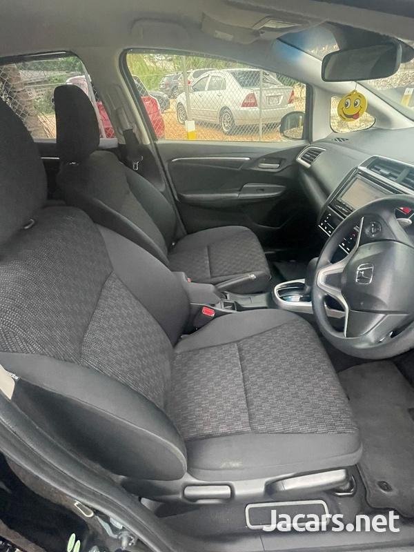 Honda Fit 1,5L 2015-10