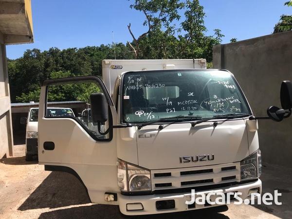 2012 Isuzuz Box Truck-2