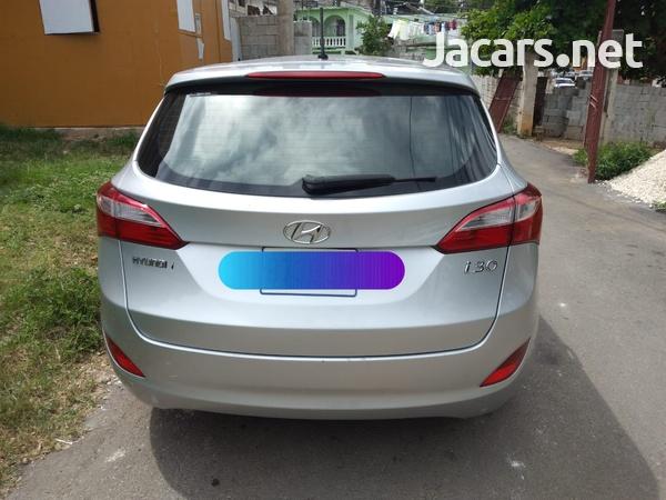 Hyundai i30 4,4L 2015-1