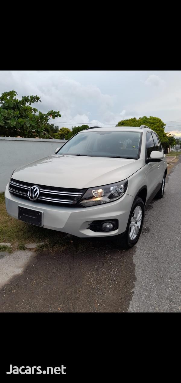 Volkswagen Tiguan 2,0L 2014-6