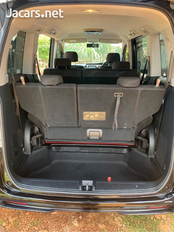 Honda Stepwgn 1,9L 2012-5