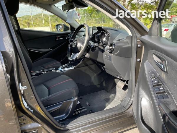 Mazda Demio 1,5L 2015-9