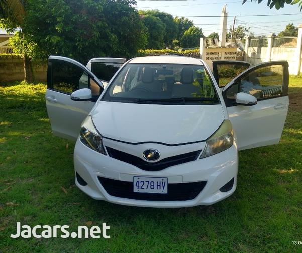Toyota Vitz 1,3L 2013-8
