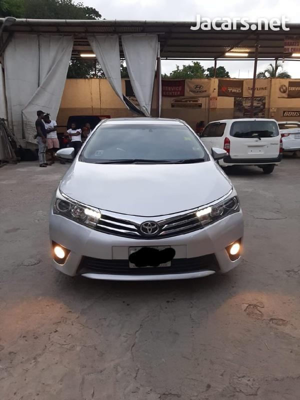 Toyota Corolla Altis 1,6L 2014-10