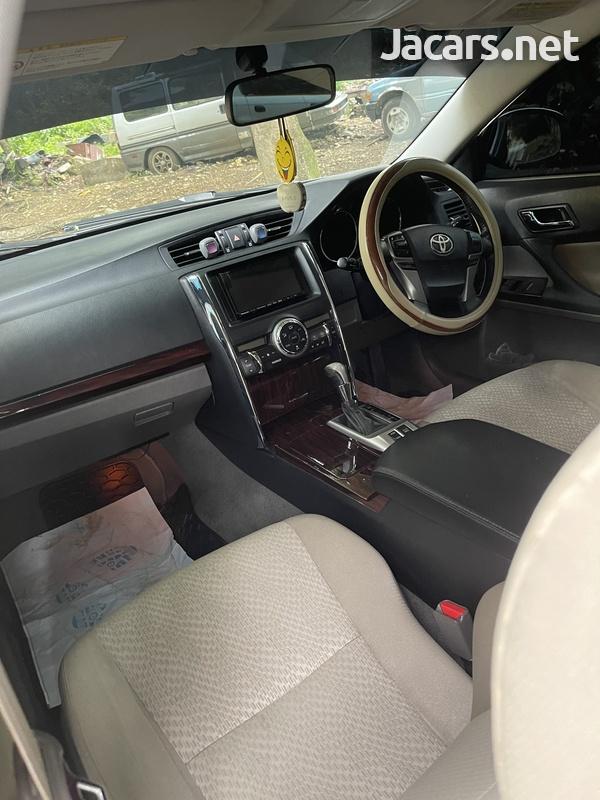 Toyota Mark X 2,1L 2012-3